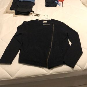 Black sweater / light jacket with side zip